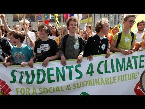 مظاهرات في عواصم العالم من أجل الحفاظ على البيئة