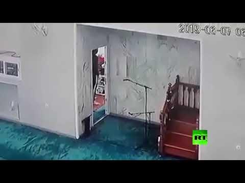 لصوص يسرقون مسجدًا في الجزائر