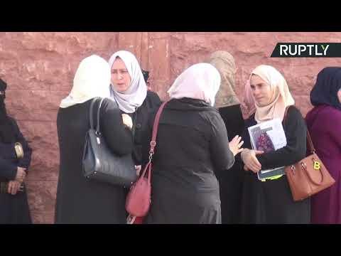 آلاف الطلاب من إدلب يؤدون الامتحانات في حماة السورية